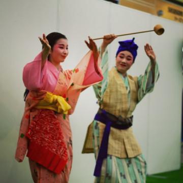 岡山・天満屋 琉球舞踊ステージ