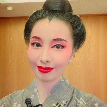 八重瀬町にて沖縄芝居の舞台