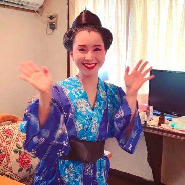 琉球舞踊のお化粧と髪結い
